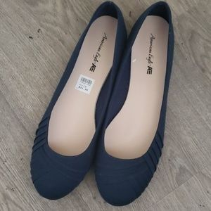 American Eagle women's size 13 dark Blue Flats